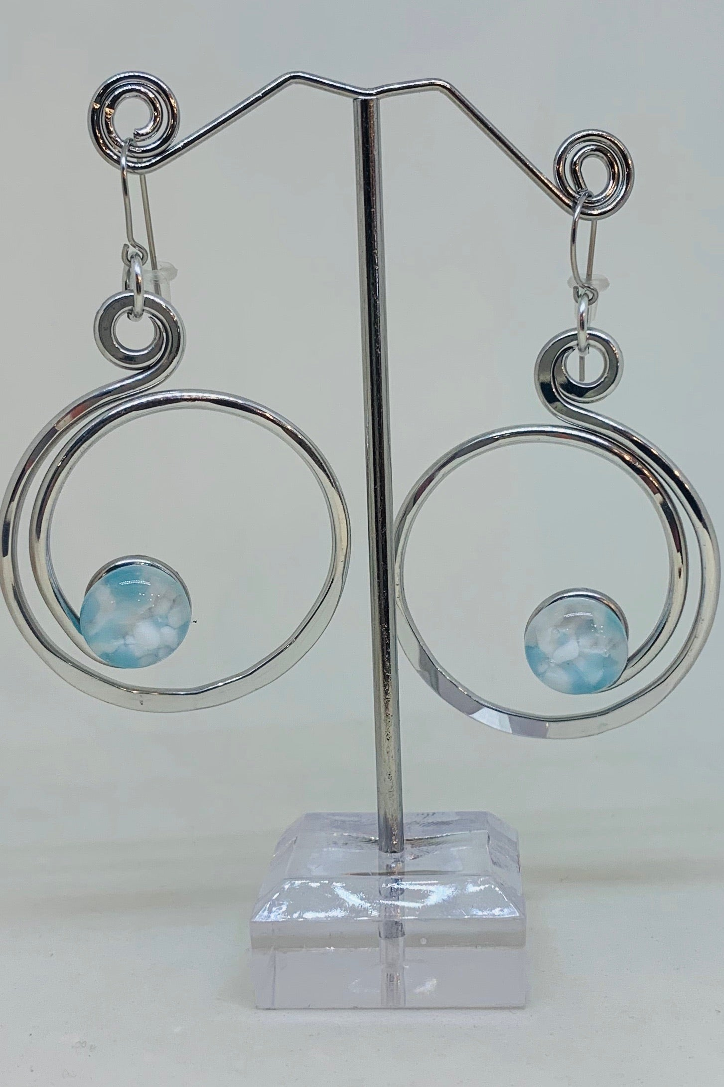 Open Curly Q Earrings-Blue/White Stone