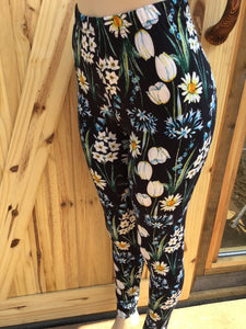 Womens best leggings BUTTERY SOFT LEGGINGS One Size daffodil flower Print