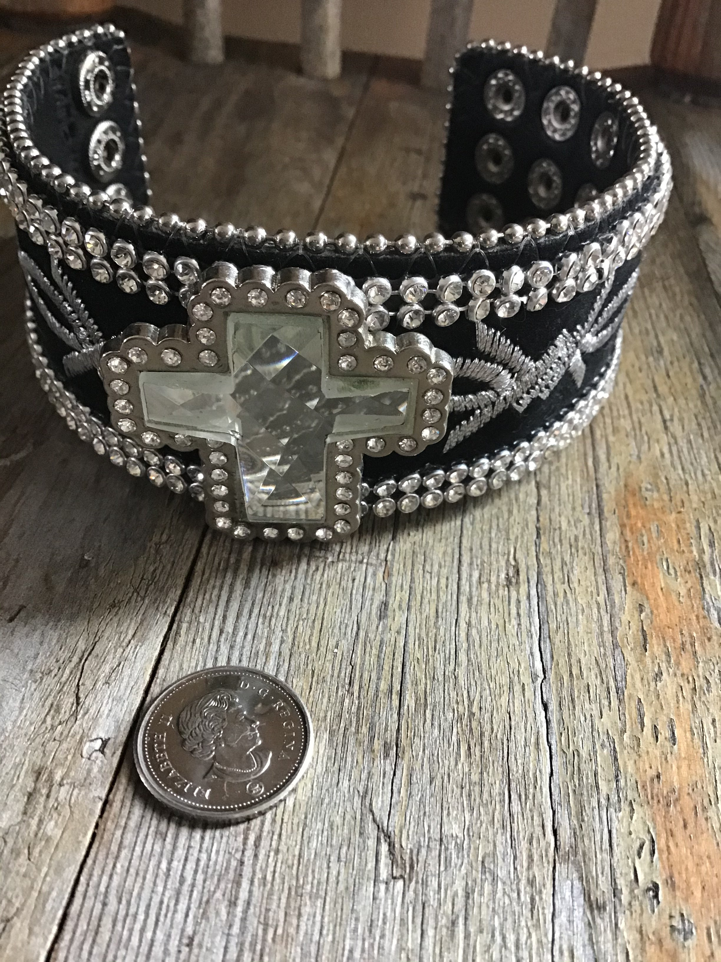 Cross barbwire bracelet