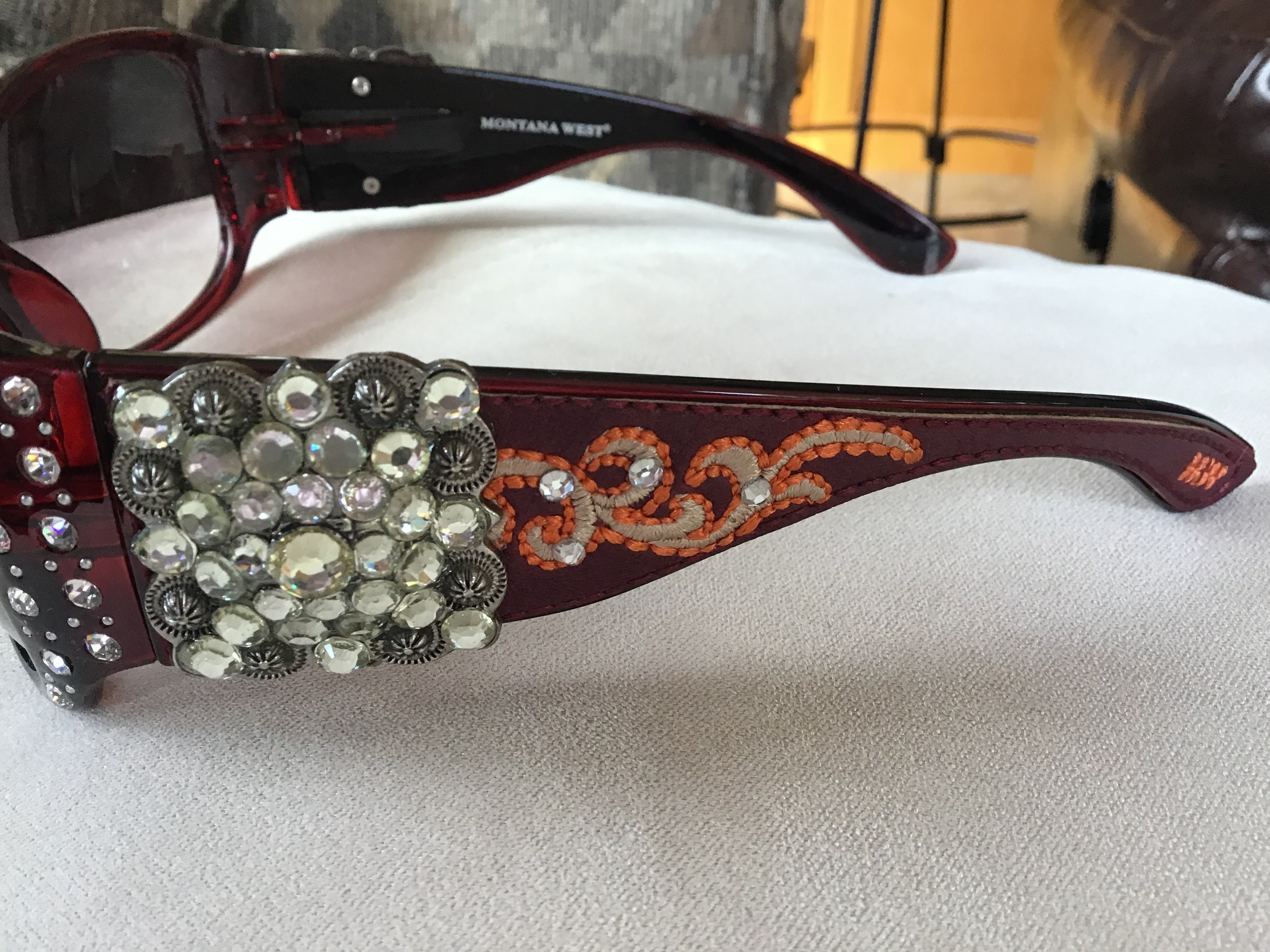 Gorgeous bling Concho studded UV 400 Montana west sunglasses Gorgeous chocolate brown, black, and a red burgundy you pick