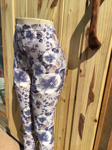 Womens best leggings BUTTERY SOFT LEGGINGS One Size Print. Flower smoky grey with blue print