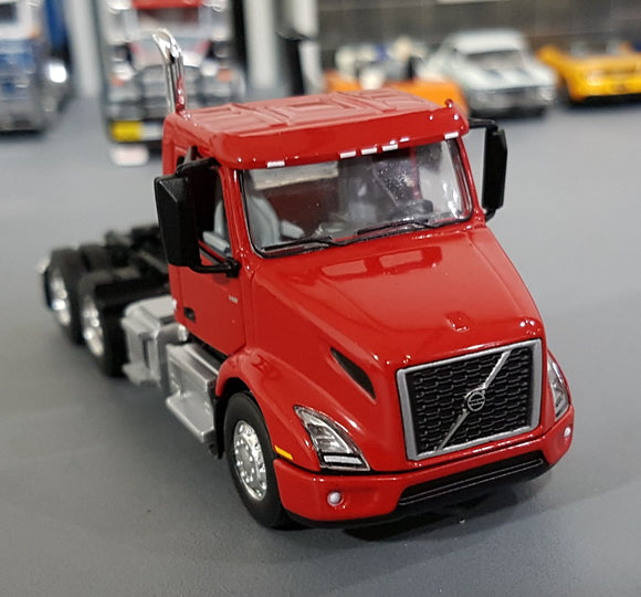 1/64  DCP / FIRST GEAR VOLVO VNR 300 PRIME MOVER IN SUN RED