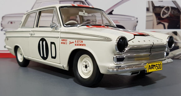 1/18 CLASSIC COLLECTABLES 1965 FORD CORTINA GT500 BATHURST WINNER