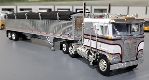 1/64 DCP / FIRST GEAR K100 KENWORTH SILVER AND WHITE WITH GRAIN TRAILER