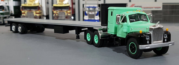 1/64 DCP / FIRST GEAR MACK B-MODEL WITH MATCHING TRAILER