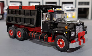 1/64 DCP / FIRST GEAR MACK R-MODEL BLACK TANDOM TIPPER WITH WORKING BODY