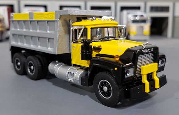 1/64 DCP / FIRST GEAR MACK R-MODEL YELLOW TANDOM TIPPER WITH WORKING BODY