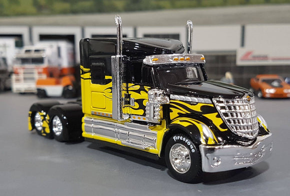 1/64 MAISTO LONESTAR PRIME MOVER BLACK & YELLOW NEW IN BOX