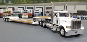 1/64 DCP / FIRST GEAR PETERBILT 379 WHITE WITH EXTENDABLE DROP DECK TRI AXLE TRAILER
