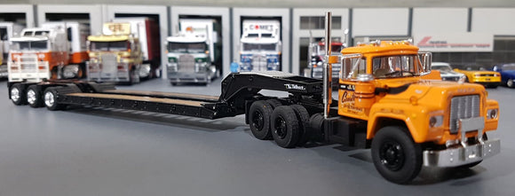 1/64 DCP / FIRST GEAR JV III CONTRUCTION MACK R-MODEL WITH TRI TRAILER