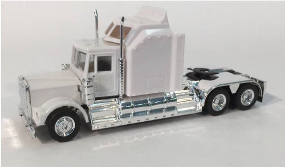 1/87 SCALE HO KENWORTH W-900 AERODYNE SLEEPER IN WHITE
