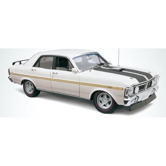 1/18 FORD FALCON XY GTHO PHASE 3 IN ULTRA WHITE CLASSIC COLLECTABLES