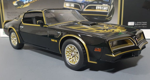 1/18 GREENLIGHT SMOKEY AND THE BANDIT TRANS AM FIREBIRD MOVIE CAR NEW IN BOX