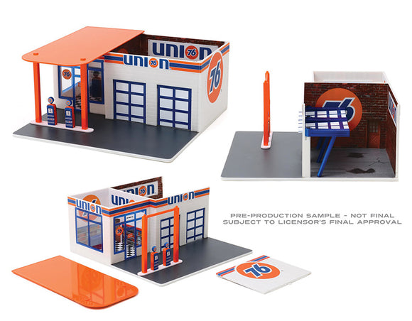 1/64 GREENLIGHT UNION 76 VINTAGE GAS/PETROL STATION READY BUILT