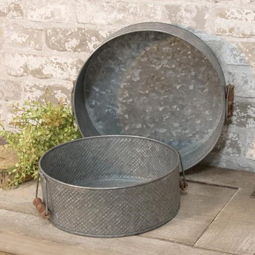 Vintage Style Round Metal  Tray  ( 2 sizes) Wooden Handles - BELLAVINTAGEHOME