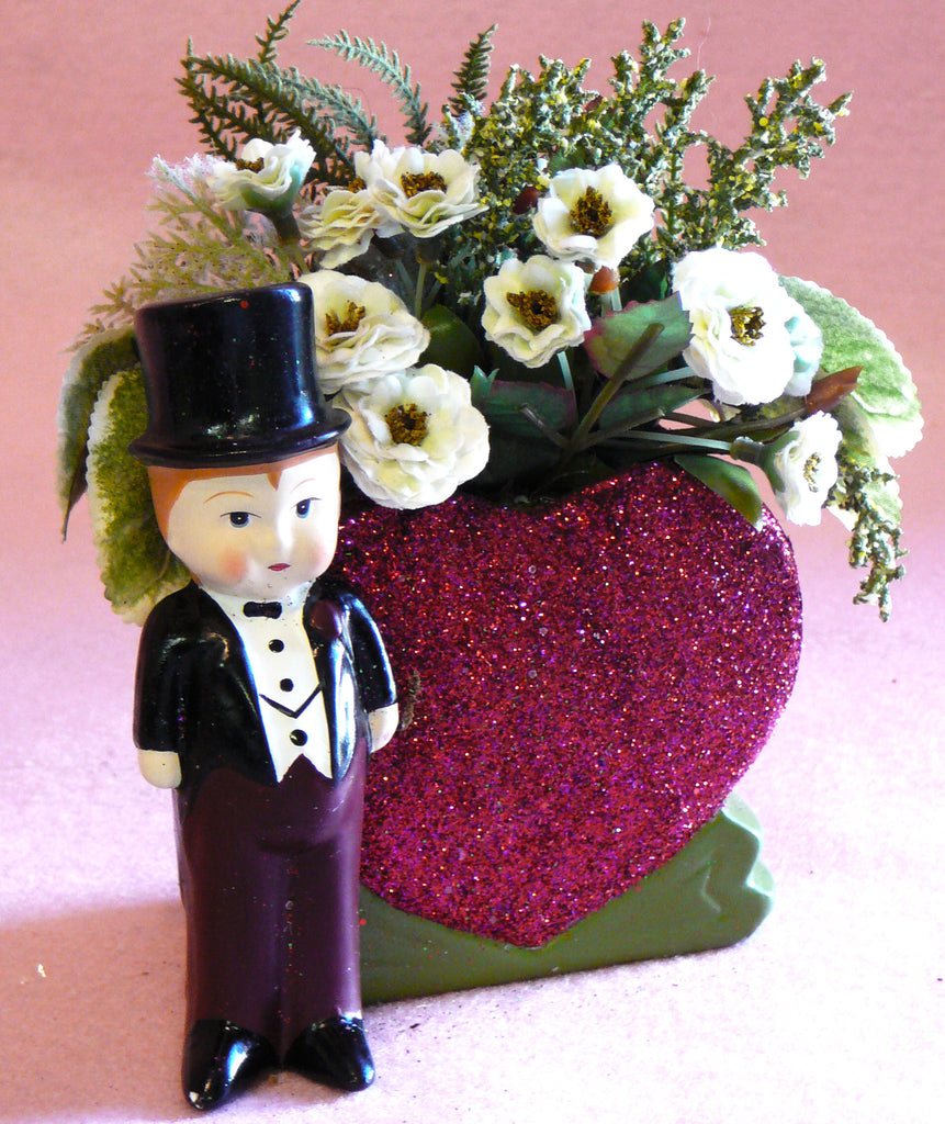Valentines Heart Floral Container with Boy - BELLAVINTAGEHOME