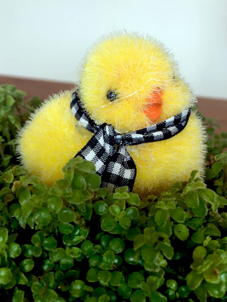 Buffalo Check Ribbon Embellished  Flocked  Chicks set/2 - BELLAVINTAGEHOME