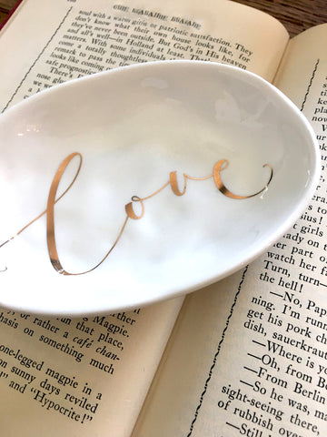 NEW!  Love  Dish - BELLAVINTAGEHOME