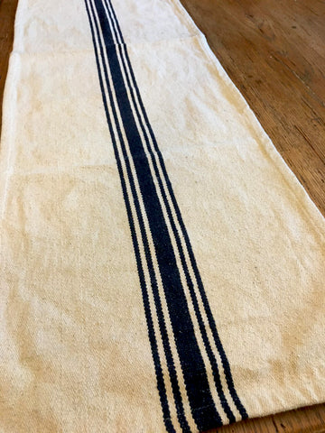 Table Runner Cream and Navy Grain Sack - BELLAVINTAGEHOME