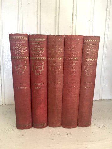 Vintage Book Stack (Red) - BELLAVINTAGEHOME