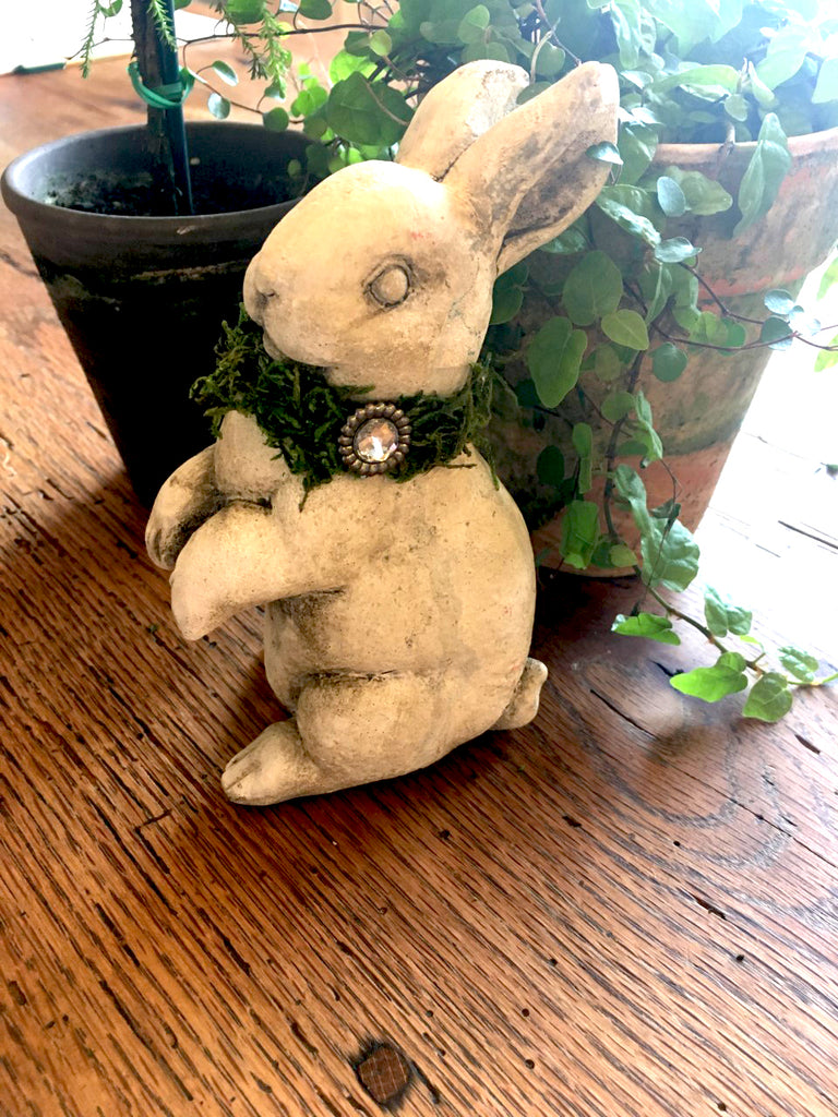 Cute Embellished Sitting Bunny - BELLAVINTAGEHOME
