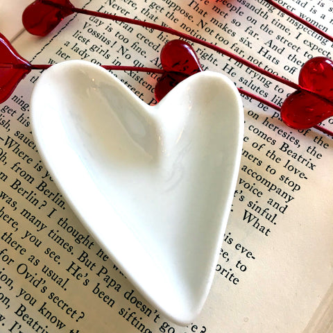 NEW!   Tiny Heart Dish - BELLAVINTAGEHOME