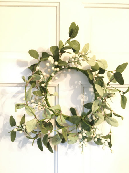 "a Ivory Berry Wreath 12""    NEW! - BELLAVINTAGEHOME"