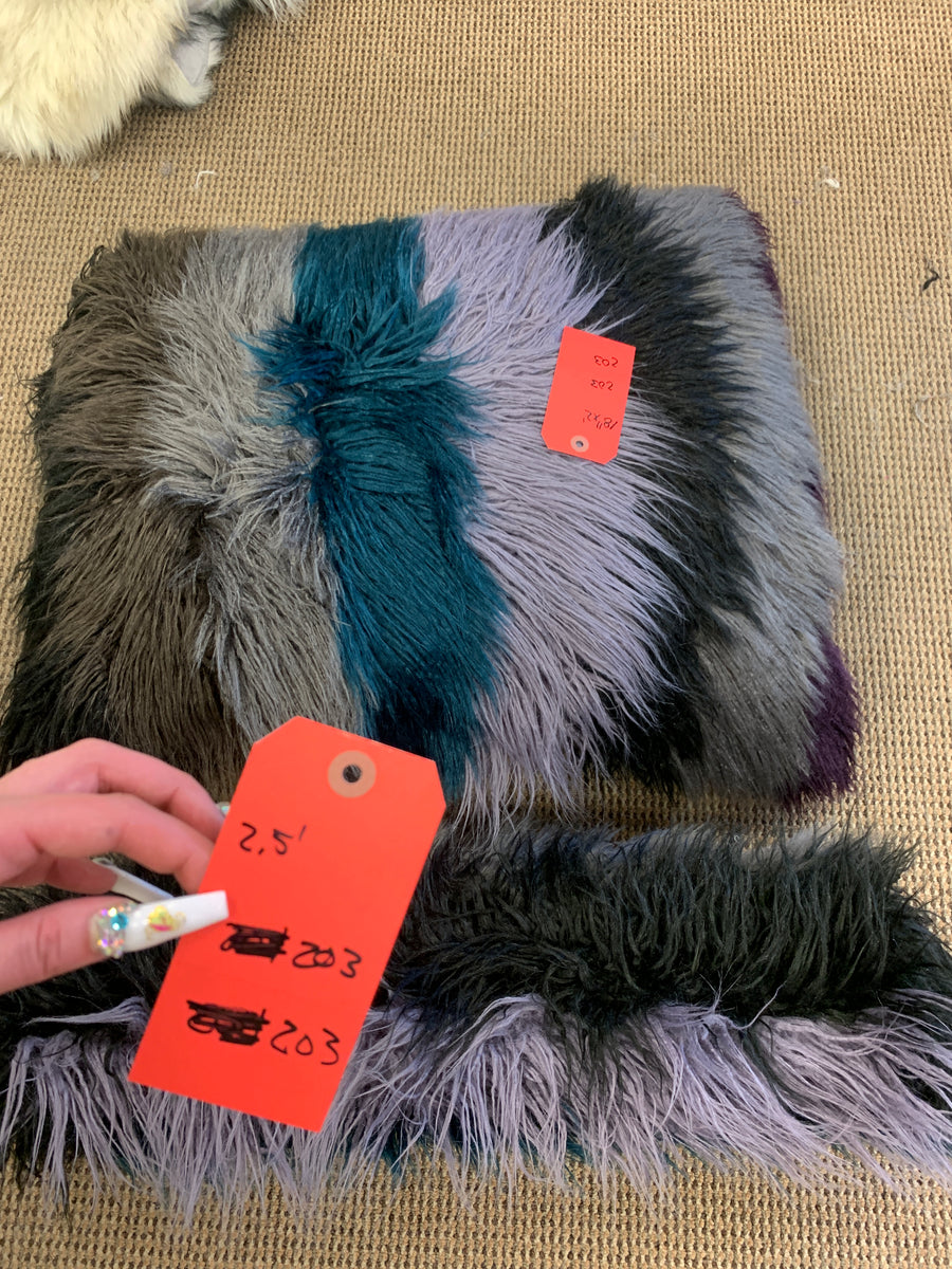 FBLive62420-PILLOW-SQ-MULTIDRKALPACA - SpiritHoods