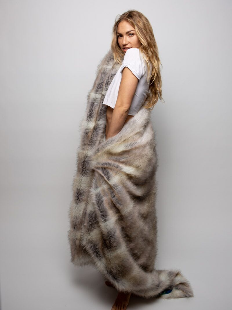 Timber Wolf Galaxy Faux Fur Throw - SpiritHoods