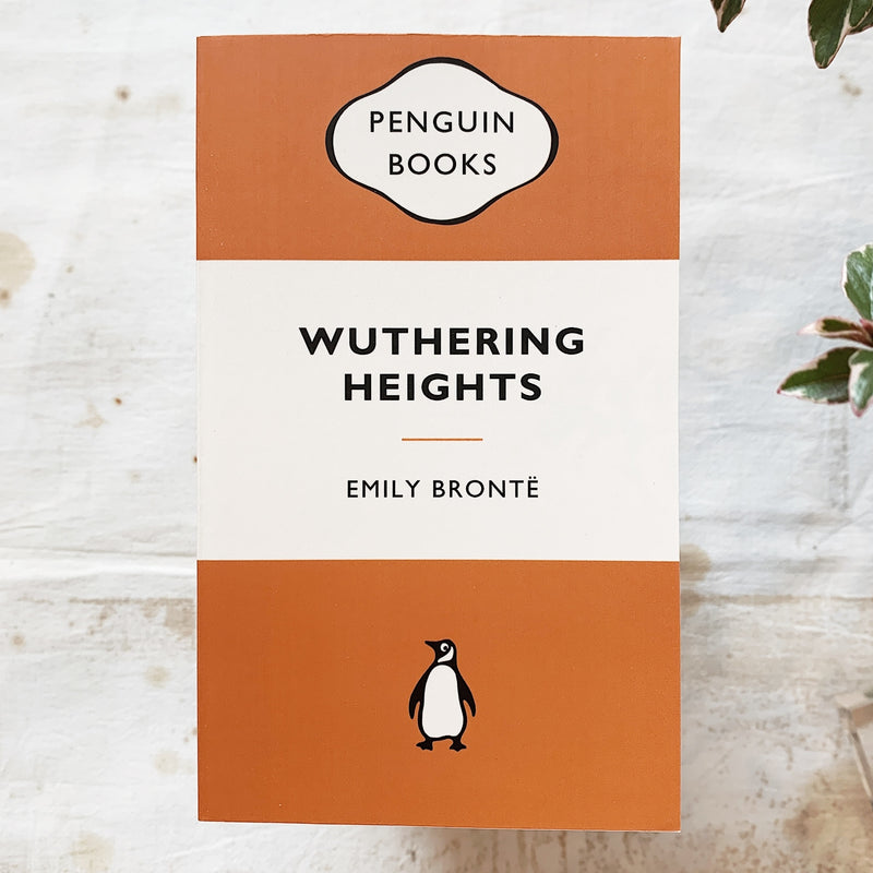 Wuthering Heights / Emily Bronte