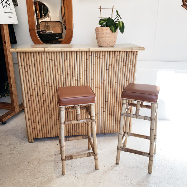 Vintage White Rattan Tiki Bar & Vinyl Seat Stool Set
