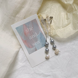 【she and sea.】blue pearl pierce / earring