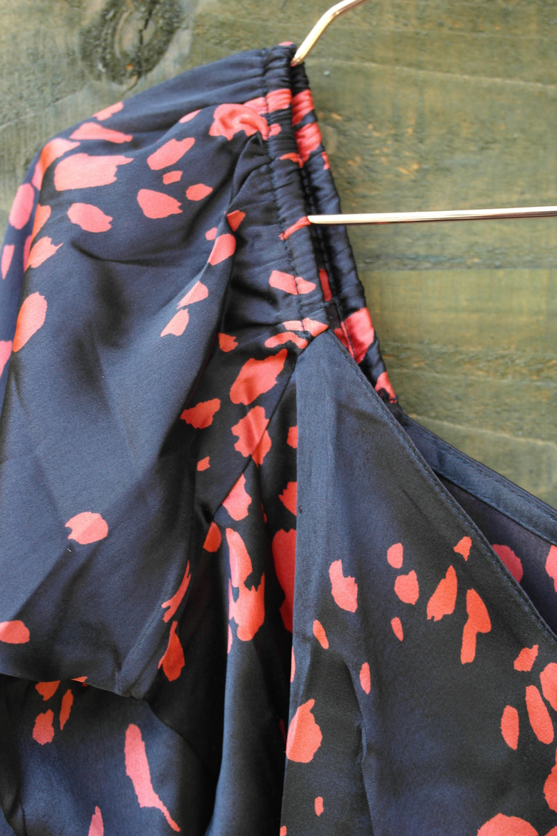 Black Red Scattered Splodge Satin Print Bodycon Mini Dress sleeve close up