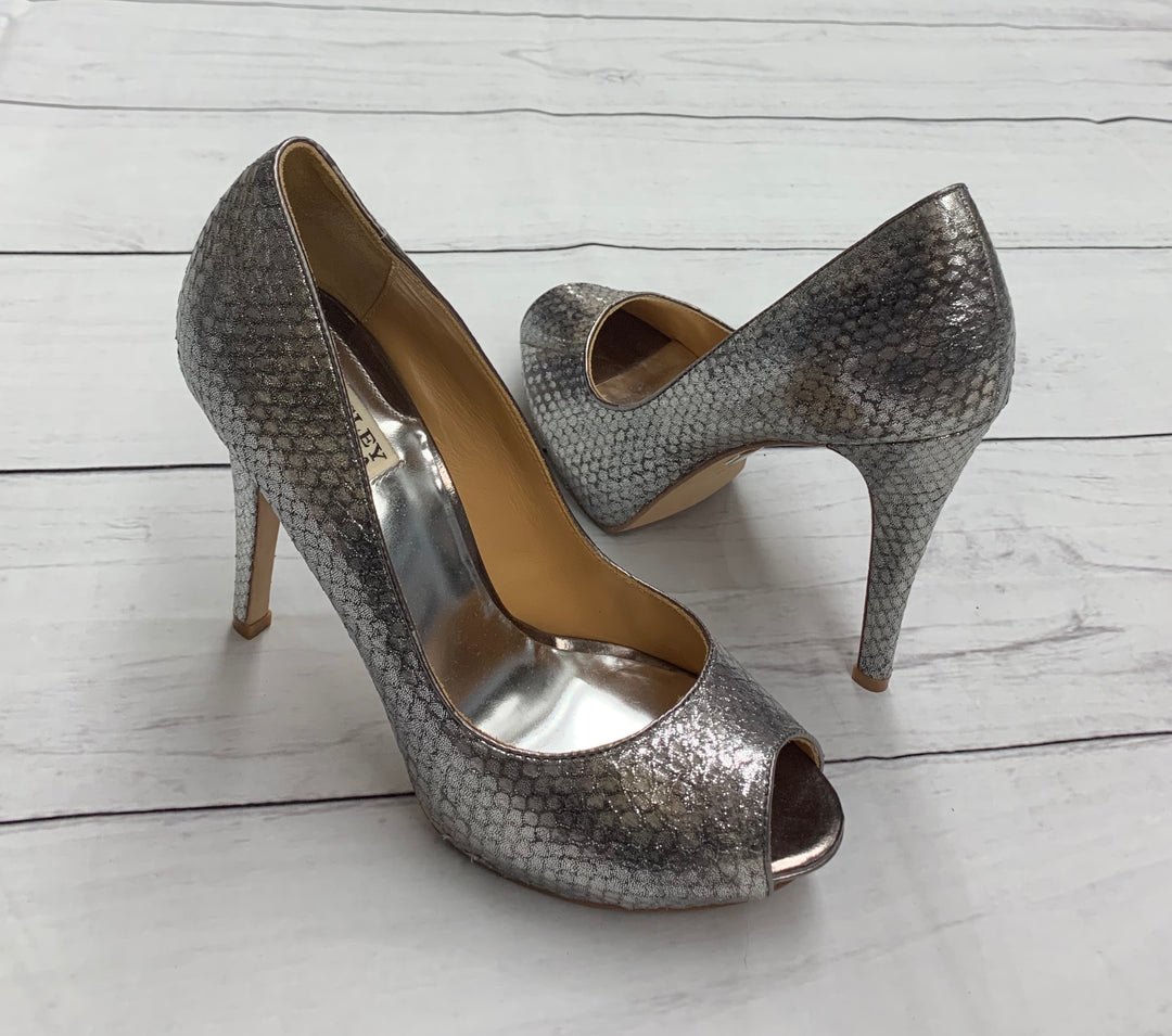 Primary Photo - BRAND: BADGLEY MISCHKA <BR>STYLE: SANDALS HIGH <BR>COLOR: SILVER <BR>SIZE: 9 <BR>SKU: 190-190125-25115