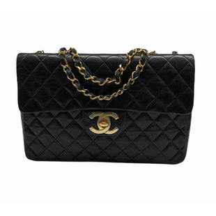 Primary Photo - BRAND: CHANEL STYLE: HANDBAG DESIGNER COLOR: BLACK SIZE: LARGE OTHER INFO: CORNER WEAR MODEL NUMBER: MAXI JUMBO XL FLAP SKU: 196-14511-48180