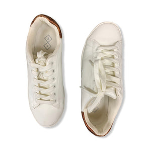 Primary Photo - BRAND:    CLOTHES MENTOR STYLE: SHOES ATHLETIC COLOR: WHITE SIZE: 8.5 SKU: 196-196112-51379
