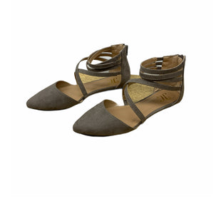 Primary Photo - BRAND:    CLOTHES MENTOR STYLE: SHOES FLATS COLOR: TAUPE SIZE: 7 SKU: 196-19681-70399