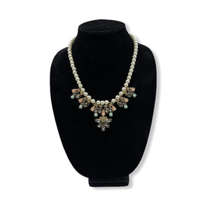 Primary Photo - BRAND:  CME STYLE: NECKLACE COLOR: WHITE SKU: 196-196136-2821