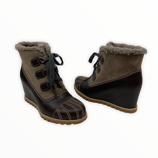 Primary Photo - BRAND: UGG STYLE: BOOTS DESIGNER COLOR: BROWN SIZE: 8 SKU: 196-14511-47699