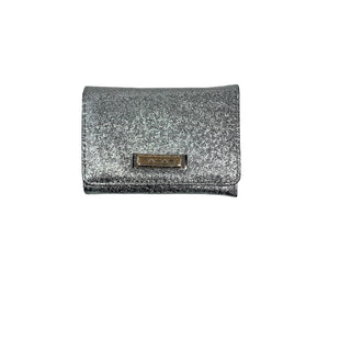 Primary Photo - BRAND: TAHARI STYLE: WALLET COLOR: SILVER SIZE: MEDIUM SKU: 196-196145-1604