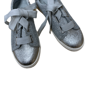 Primary Photo - BRAND: GIANI BERNINI STYLE: SHOES ATHLETIC COLOR: SILVER SIZE: 8 SKU: 196-196142-165