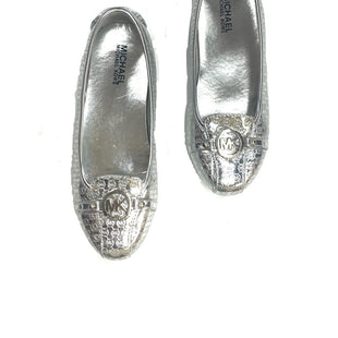 Primary Photo - BRAND: MICHAEL BY MICHAEL KORSSTYLE: SHOES FLATSCOLOR: SILVERSIZE: 5SKU: 196-196112-45437