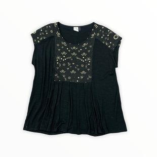 Primary Photo - BRAND:  AKEMI + KIMSTYLE: TOP SHORT SLEEVE COLOR: BLACK SIZE: M OTHER INFO: AKEMI AND KIM - ANTHROPOLOGIE SKU: 196-14511-46855
