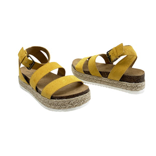 Primary Photo - BRAND: UNIVERSAL THREAD STYLE: SANDALS LOW COLOR: MUSTARD SIZE: 7.5 SKU: 196-196142-185