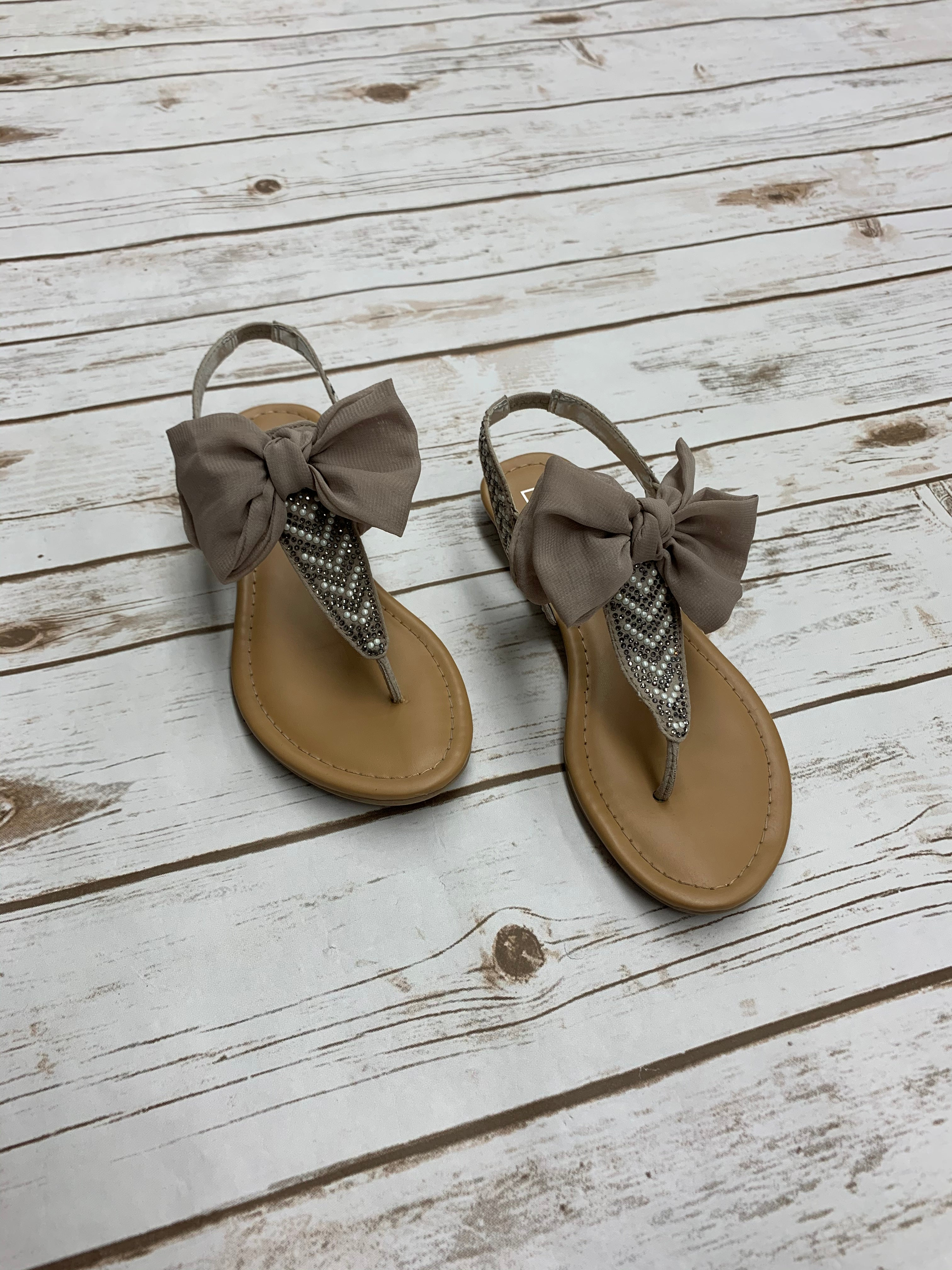 Primary Photo - BRAND: MATERIAL GIRL <BR>STYLE: SANDALS FLAT <BR>COLOR: TAN <BR>SIZE: 6.5 <BR>SKU: 196-19681-70814