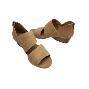 Primary Photo - BRAND: NATURALIZER STYLE: SANDALS LOW COLOR: BEIGE SIZE: 8 SKU: 196-19694-36276