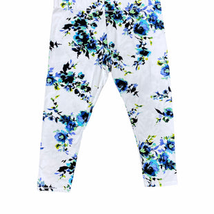 Primary Photo - BRAND: MIX IT STYLE: ATHLETIC CAPRIS COLOR: WHITE BLUE SIZE: L SKU: 196-19666-17655
