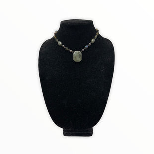 Primary Photo - BRAND: LIA SOPHIA JEWELRY STYLE: NECKLACE COLOR: GREEN SKU: 196-196112-54948