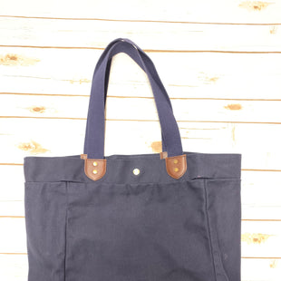 Primary Photo - BRAND:    CLOTHES MENTOR STYLE: HANDBAG DESIGNER COLOR: BLUE SIZE: LARGE OTHER INFO: J.W. HULME CO] - SKU: 190-190130-9517
