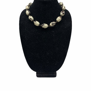 Primary Photo - BRAND:    CLOTHES MENTOR STYLE: NECKLACE SKU: 196-19666-17593
